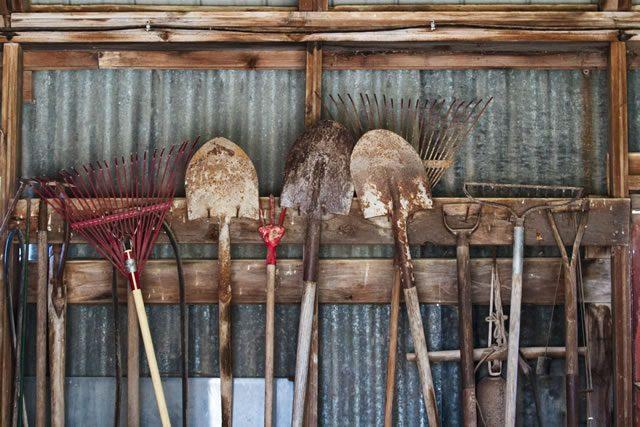 store garden tools